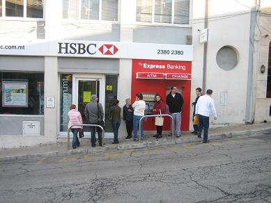 Warteschlange HSBC Bank